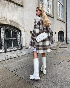 Pernille Teisbaek(@pernilleteisbaek) • Instagram 사진 및 동영상 Midi Skirt, Photos, Chic, My Style, Skirts, Jackets, Instagram, Clothes, Fashion