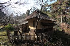 Japanese traditional style house exterior design / 和風建築(わふうけんちく) by TANAKA Juuyoh (田中十洋), via Flickr
