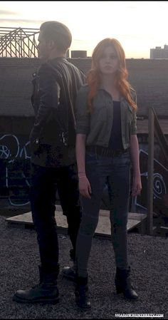 Shadowhunters - [EXCLUSIVE PHOTOS] 4 Reasons Why You Need These Clary And Jace Photos In Your Life! - 1002