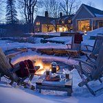 The Ultimate Vermont Winter Vacation - Luxury Travel Cabana, Vacation Destinations, Vacation Spots, Vermont Winter, Best Winter Vacations, Sleepaway Camp, New England, Oxford England, Cornwall England