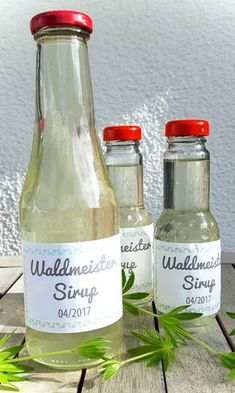 Recipes from the garden: Woodruff syrup - rezepten - Drinking games Drink Tags, Different Diets, Liqueur, Vegetable Drinks, Drinking Games, Delicious Fruit, Healthy Eating Tips, Eating Habits, Healthy Summer
