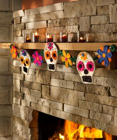 Dia de los Muertos Decoration - Sugar Skull Garland - Free Crochet Pattern from Red Heart Yarns
