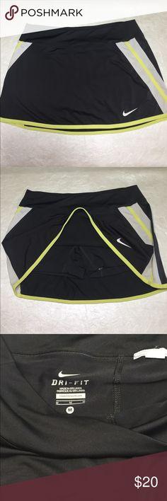 76d530c2e68 Grey w  Yellow Nike Dri Fit Athletic Skort Medium Great Nike Skort. Dark  Grey
