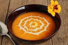 KRÉMOVÁ TEKVICOVÁ POLIEVKA Kuri Squash Recipe, Red Kuri Squash, Noodle Bowls, Rice Bowls, Soup Broth, Baked Squash, Non Organic, Squash Soup, Bowl Of Soup