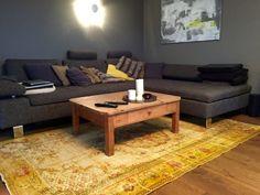 Vintage Teppich Gelb Im Wohnzimmer