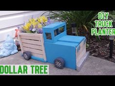 making a Dollar Tree DIY Wood Truck Planter! Its perfect outdoor patio decor or farmhouse decor DIY. Truck Crafts, Crate Crafts, Wooden Crafts, Craft Stick Crafts, Wooden Diy, Wooden Signs, Farmhouse Style Decorating, Farmhouse Decor, Wooden Truck