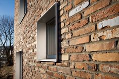 Nice color nuances and texture in brickwork.