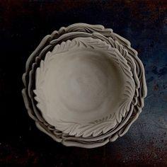 #沖縄#陶芸#陶#やちむん#しのぎ#輪花#皿#制作中#okinawa#pottery#making #ceramics #craft#dish