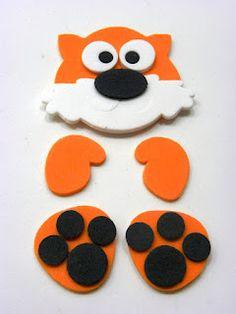 Adaptar para trabajar la atención y memoria visual. Crafts With Cds, Foam Crafts, Preschool Crafts, Diy And Crafts, Crafts For Kids, Pencil Toppers, Punch Art, Animal Crafts, Felt Art