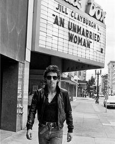 "2,786 Likes, 17 Comments -     ⛓ (@velvetcoke) on Instagram: ""Bruce Springsteen Walking by Marquee, 1978 Lynn Goldsmith"""