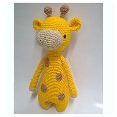 Giraffe by paodoceartesanatos. Crochet pattern by Little Bear Crochets: www.littlebearcrochets.com ❤️ #littlebearcrochets #amigurumi