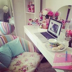 ♥ i want that desk