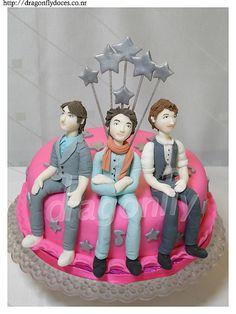 Jonas Brothers Cake / Bolo Jonas Brothers by Dragonfly Doces, via Flickr