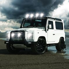 Land Rover Defender 90 Td4 ICON white -//Cars for Adventures - Max Raven