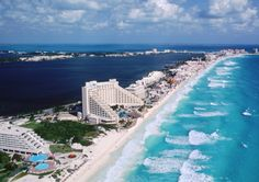 This beach in Cancun looks breath taking!