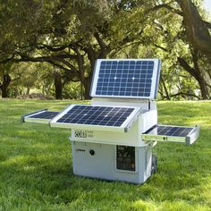 Best Solar Generators for Homes, RV's, Camping and Survival. Solar Generator and Solar Generator Kit buying Guide. Top Solar Generators like Goal Zero, Anker Powerhouse, Inergy Kodiak at the best prices. Solar Energy Panels, Solar Panels For Home, Best Solar Panels, Solaire Diy, Alternative Energie, Solar Roof Tiles, Solar Projects, Energy Projects, Diy Projects