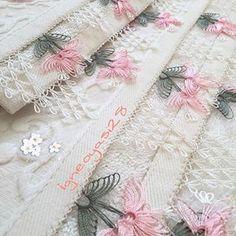 Moda Emo, Crochet Borders, Piercings, Needle Lace, Bargello, Elsa, Like4like, Quilts, Stitch