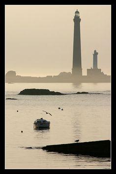 #Bretagne finistère : 6 septembre : l'Ile-Vierge depuis Meledan vers 19 H 30 #phare #lighthouse © Paul Kerrien http://toilapol.net