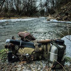 Mornin' everyone!! Crisp morning here in the Shenandoah Valley. #21stcenturylonghunter #longhunter #scoutpack #3vgear #woodsman #leathercraft #bushcraftgear #loadout #survivalgear #woodsman #teotwawki #zombiehunter #apocalypse #oldways #oldisnew  #postapocalyptic  #bagfetish #gearfetish  #survivalkit #survival #pathfinder