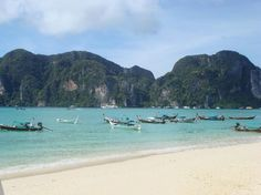 Koh Phi Phi-longtail boats