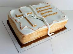 Communion book cake Holy Communion Cakes, First Communion, Christian Cakes, Baptism Cupcakes, Bible Cake, Religious Cakes, Happy Birthday Cake Images, Book Cakes, Confirmation