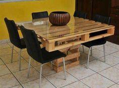 Mesas feitas com paletes e caixotes de feira 004