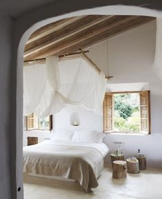 21 Awesome Canopy Beds Interiorforlife.com perfect neutrals and natural accents for a soothing gentle bedroom