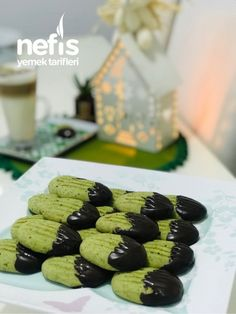Pistachio Cookies, Yummy Food, Delicious Recipes, Cooking, Desserts, Cheryl, Sunscreen, Kitchen, Recipes
