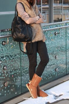 Fluffy Winterwonderland. Ugg Boots, Riding Boots, Shoes, Fashion, Always Cold, Couple Photos, Horse Riding Boots, Moda, Zapatos
