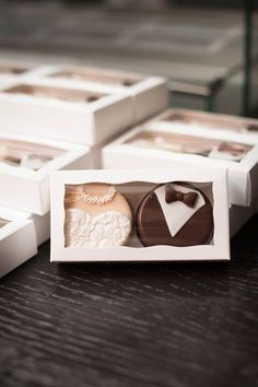 Edible wedding favor idea - bride + groom cookies {Elizabeth Nord Photography, LLC} #Gelin #Gelinlik #GelinlikModelleri #GelinBaşı #TesettürGelinlik #Abiye #TesettürAbiye #Nişanlık #Duvak #ElÇiçeği #GelinAyakkabısı #Wedding #WeddingIdeas #WeddingPlanner #WeddingDecorations #Bride #WeddingRegistry #flowerslovers #Weddinggift #Weddingmakeup #Bridaldress #Bridesmaids #Bridalfashion #Bridallook #Weddinggown #Justmarried #Weddingorganization #Weddingdress #Weddingcakes…