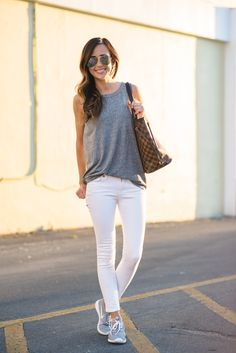 21 ideas sneakers outfit summer fashion looks casual Jeans Casual, Casual Chic, Simple Casual Outfits, White Jeans Outfit, Casual Looks, White Skinnies, Pants Outfit, Jeans Pants, Sneakers Outfit Summer