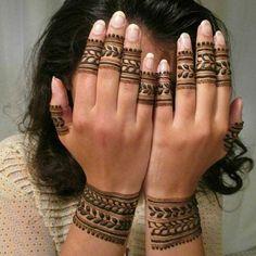 #girlyhenna #art #inspo #hennainspo #hennaart #photooftheday #mendhi #hennaartist #hennatattoo #naturalhenna #bridalhenna #7enna #doodle #art #mandala #beauty #love #feather