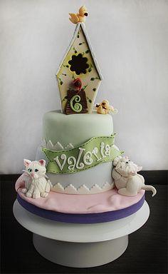 la casetta degli uccellini ★ More on #cats - Get Ozzi Cat Magazine here >> http://OzziCat.com.au ★