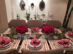 Mesa posta com rosas vermelhas ❤️❤️