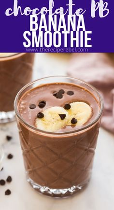 Chocolate Peanut Butter Smoothie, Healthy Chocolate, Chocolate Recipes, Peanut Butter Shake, Fruit Smoothies, Healthy Smoothies, Ninja Smoothie Recipes, The Recipe Rebel, Dump Cake Recipes