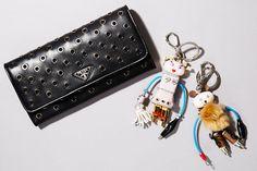 財布はかっこいいし丈夫なので毎回プラダの黒を買ってます。