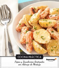 #Papas y zanahorias rostizados con aderezo de mostaza Pon en una charola 300 g de papas cambray en mitades, 300 g de zanahoria baby, salpimienta y pon aceite de oliva; hornea 1 hora a 180 ºC tapadas. Para el aderezo, mezcla 3 cdas de mostaza Dijon, 1 cda de mayonesa, jugo de 1 limón, ½ cdita de paprika y 1 cda de tomillo fresco picado. Agrega las papas y zanahorias horneadas a un tazón, mezcla con el aderezo y sirve.
