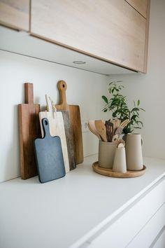 Kitchen Room Design, Home Room Design, Home Decor Kitchen, Kitchen Interior, Home Kitchens, Kitchen Countertop Decor, Interior Design Photography, Home And Deco, Home Decor Inspiration
