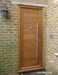 contemporary door and frame made from Iroko timber : iroko doors - pezcame.com