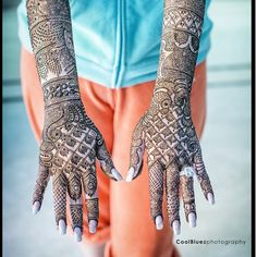 Unique Bridal Mehendi Designs from Real Brides Bridal Henna Designs, Simple Mehndi Designs, Henna Mehndi, Mehendi, Easy Mehndi, Mehndi Art, Henna Art, Mehandi Design For Hand, India Pattern
