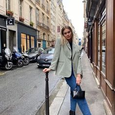10 French Styling Tips You Have To Try French Girl Style, French Girls, Love Fashion, Girl Fashion, Fashion Outfits, Daily Fashion, French Wardrobe Basics, French Models, French Fashion Designers
