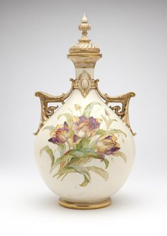 Early 19th,c. A Royal Worcester porcelain covered vase.
