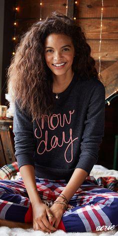 Aerie Graphic Crew Sweatshirt. We're melting for snow days! #Aerie