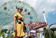 I'm looking for a couple for a PHOTOSHOOT in Coney Island this month :) by madalena.leles, via Flickr