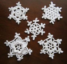 Hey, I found this really awesome Etsy listing at https://www.etsy.com/listing/257324509/snowflake-crochet-pattern