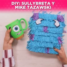 diy crafts hacks are offered on our internet site. Diy Crafts To Do, Diy Arts And Crafts, Mason Jar Crafts, Mason Jar Diy, Diy Home Decor Projects, Diy Projects To Try, Cool Diy, Floating Shelves Diy, Art Plastique