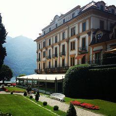 Villa d'Este en Cernobbio, Lombardia Small Boutique Hotels, Beautiful Hotels, Lake Como, Four Square, Villa, Mansions, House Styles, Nice, Manor Houses