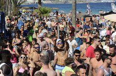 Le Bora Bora est idéal pour vous mettre dans l'ambiance avant de se préparer pour les nuits d'Ibiza !
