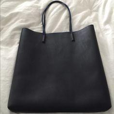 Black Bloomingdales tote bag Very convenient black Bloomingdales tote bag Bloomingdale's Bags Totes