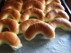 Dijanine kiflice Pastry Recipes, Bread Recipes, Baking Recipes, Dessert Recipes, Croatian Kifle Recipe, Kiflice Recipe, Macedonian Food, Cooking Bread, Croatian Recipes
